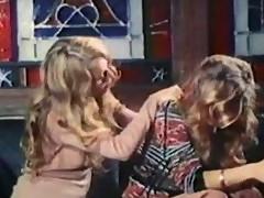 Retro Amber Hunt Lesbian Licking