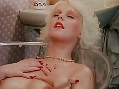 Glass Bath For Blondes