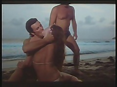 Hot Nights In The Caribbean 1981 (Threesome mfm scene)